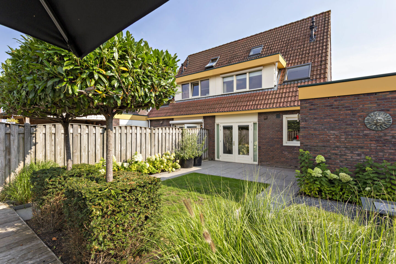 7271-plein_40-45_4-steenbergen-4202656631